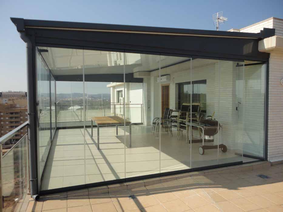 Techos para terrazas ticos y patios castell n y for Toldos y cerramientos para patios